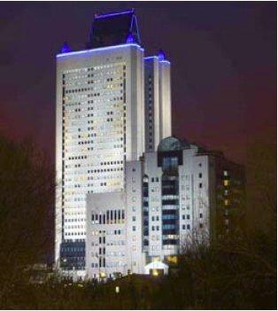 Подсветка здания Газпрома в Москве светильниками на основе СД
